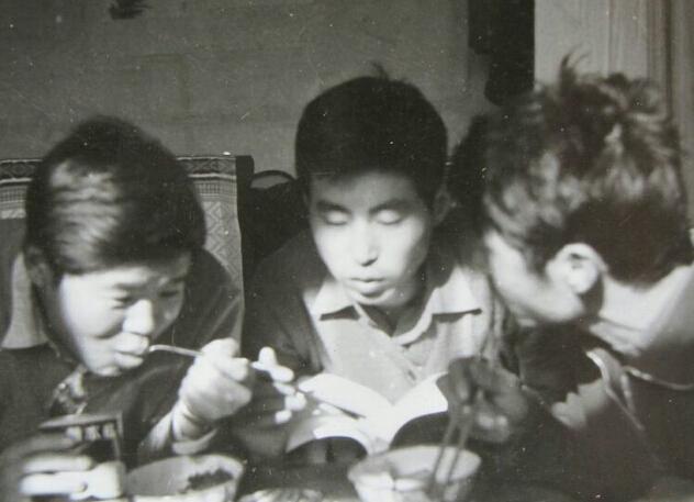 清华学子自愿到西藏修车 一干17年