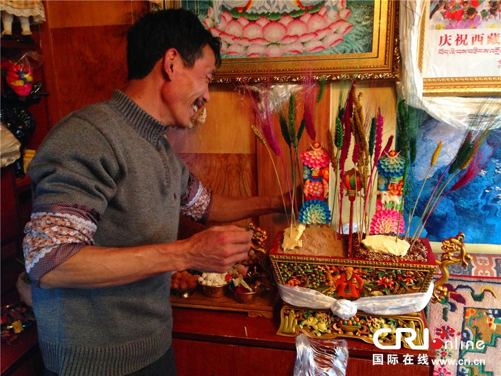 Feature: A Tibetan family's New Year's Eve