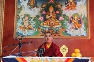 班禅额尔德尼·确吉杰布向境内外藏胞致新年祝福