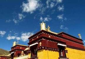 《藏传佛教名僧档案》发行及赠阅仪式在拉萨举行