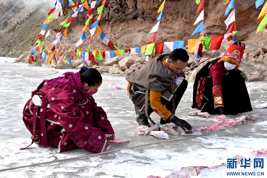 Frost-Mani-Spektakel in Yushu