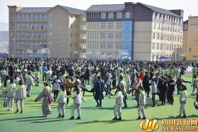 Die Bildung in tibetischen Gebieten entwickelt sich gleichmäßig
