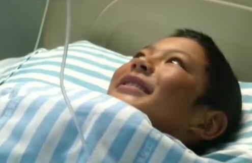 """千里""""佑""""心:藏族少年罹患先心病  援青医生""""架桥""""救助"""