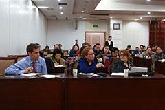 媒体记者与藏学专家面对面交流