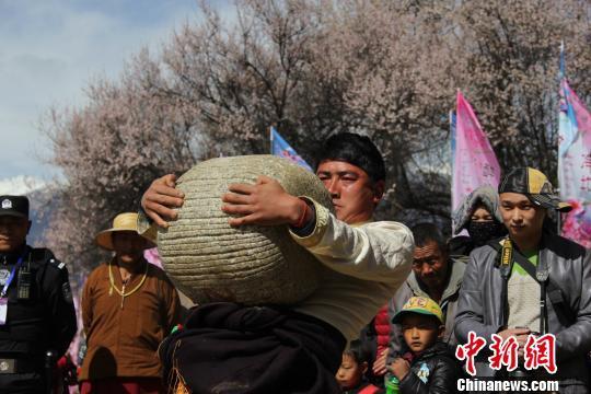 """西藏民族特色体育运动""""吸睛"""""""