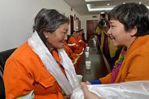 """西藏行业女性举行纪念""""三八""""妇女节座谈会"""