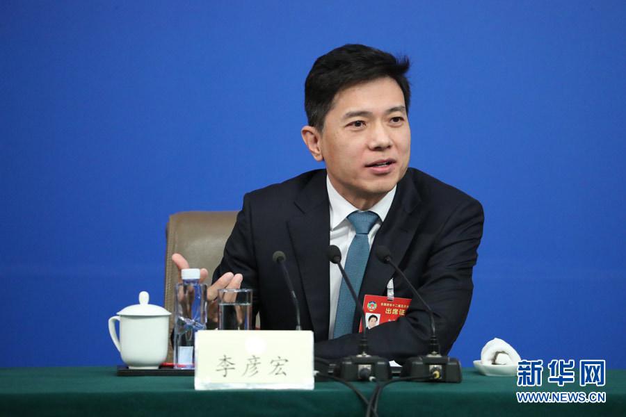 李彦宏:人工智能或是超越互联网意义上的一场革命