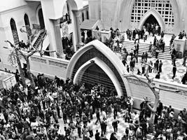 监控记录埃及亚历山大教堂爆炸瞬间