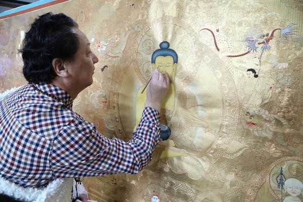 Künstler fördert Überlieferung der Thangka-Kunst