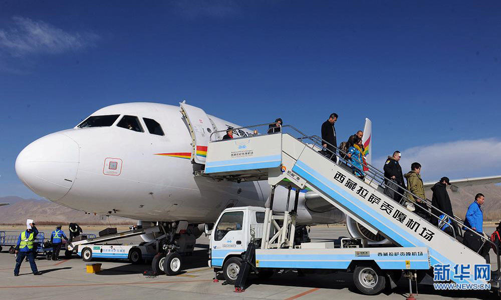 Tibet's airport able to accommodate large planes overnight