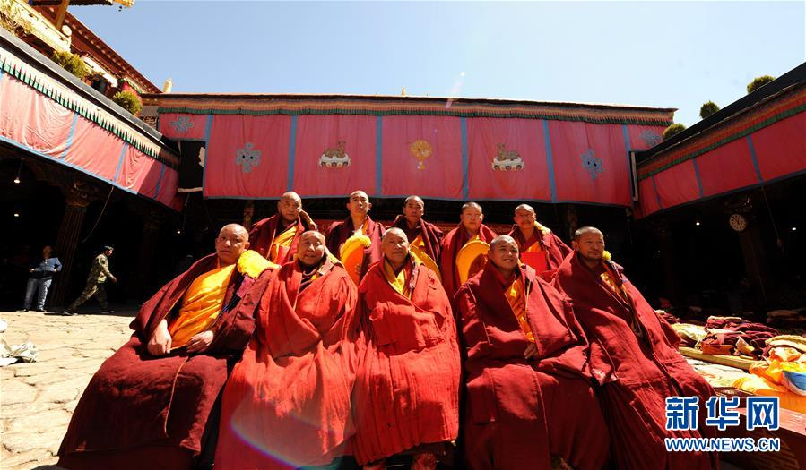 Over 100 monks obtain Larampa Geshe degree since 2004