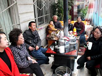 西藏多民族家庭的幸福生活