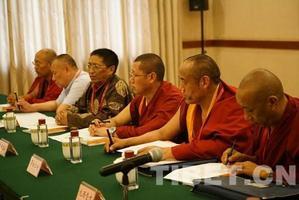 藏传佛教高僧:寺院要像寺院 僧人要像僧人 呼吁打击假活佛