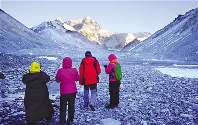 珠峰迎来登山季