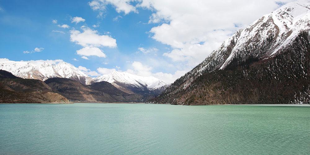 春天的然乌湖