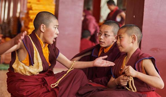 """Der """"Übungsweg"""" der jugendlichen Rinpoche"""