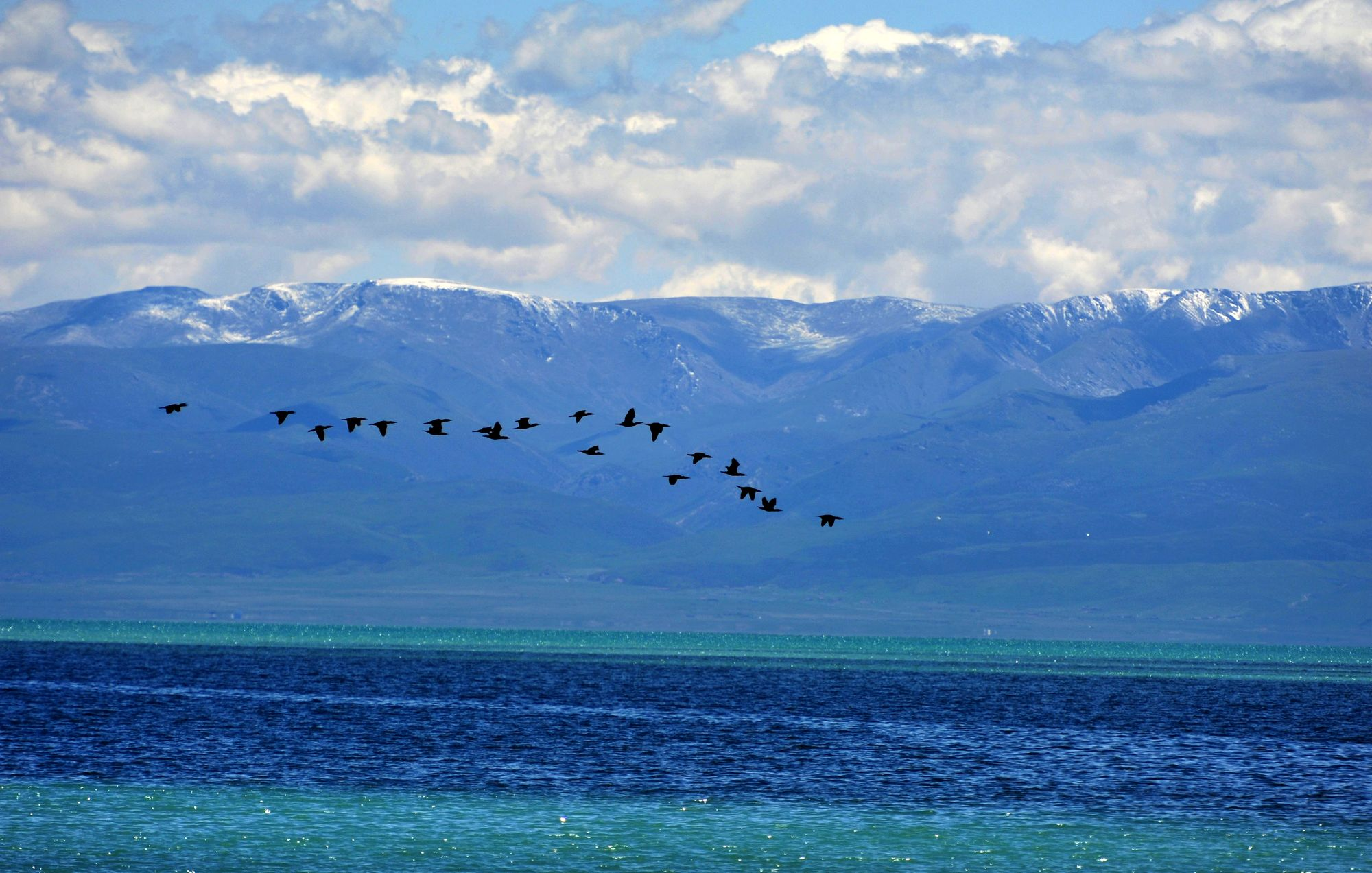 Chinese scientists uncover variations of lakes on Qinghai-Tibet plateau
