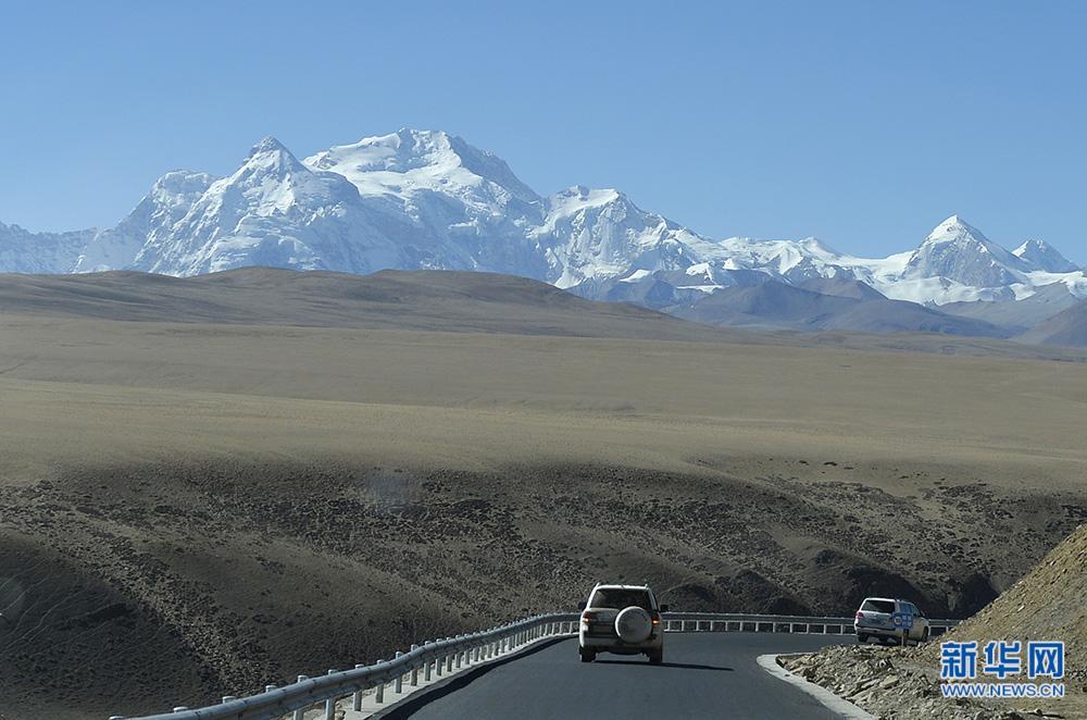 Reconstruction of quake-hit Tibetan region in full swing