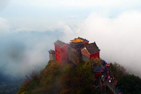 Luftaufnahmen des taoistischen heiligen Orts Mt. Wudang