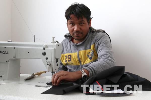 Tibet Geschichte: Tibet-Chefin und nepalesischer Schneider