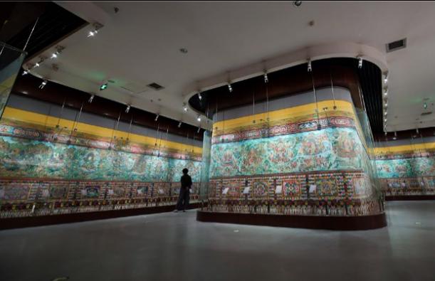 Besuch beim Chinesischen Museum der tibetischen Medizin-Kultur