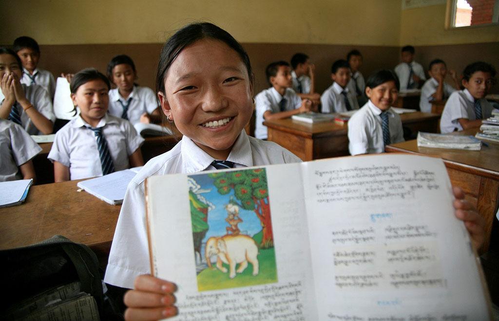 Regierung von Yushu, Qinghai baut Mittelschule in Nepal