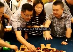 青藏高原社区畜牧业项目产品展示,试吃现场欢乐无限
