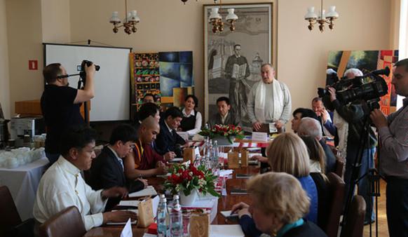 Ukrainer mögen Vortrag über Chinas Minderheiten und Religion