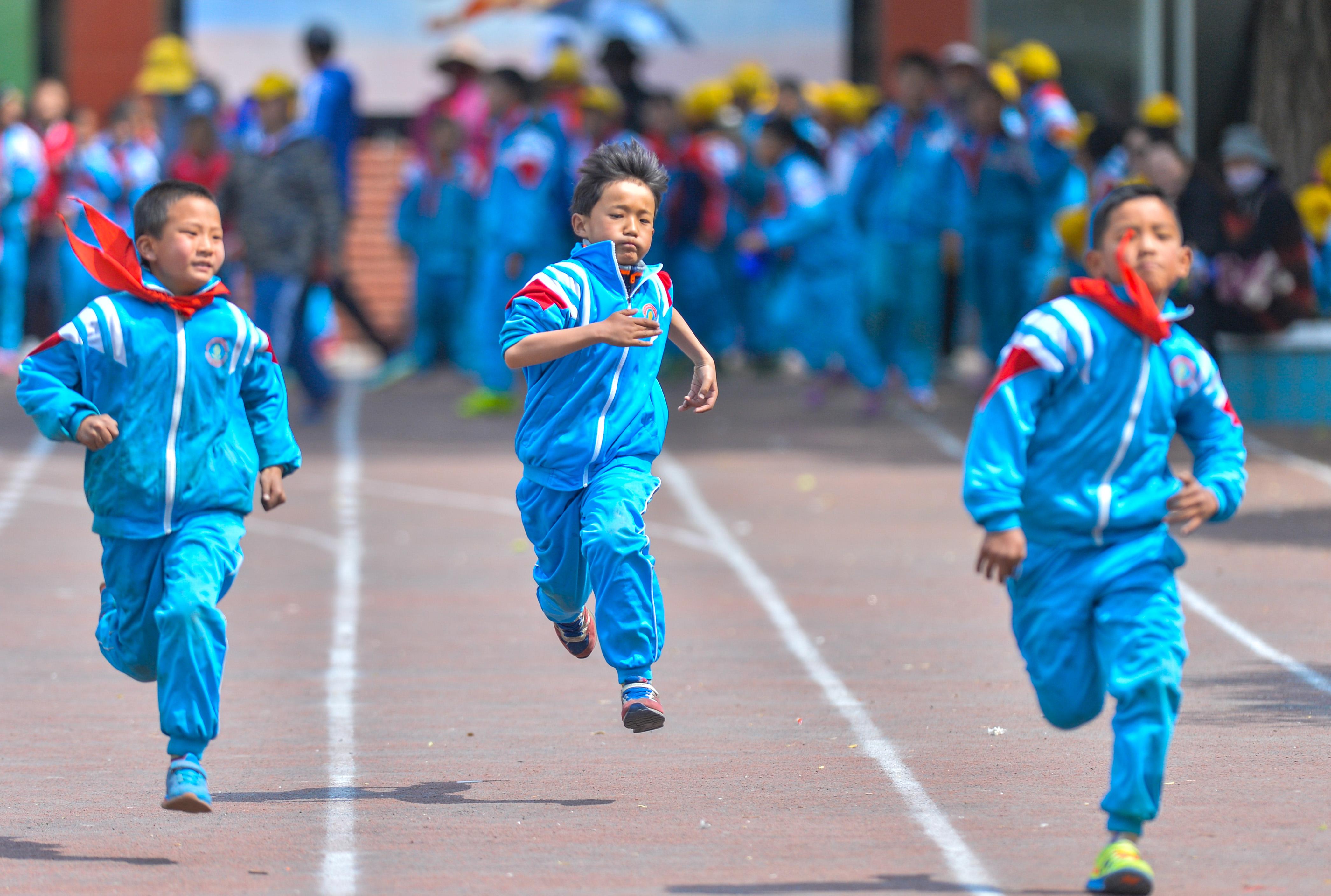 Alle machen Sport in Tibet