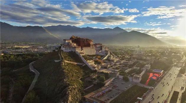 Neues Angebot für Touristen: Tibet aus der Luft
