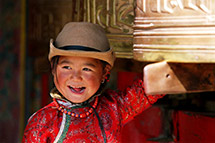 西藏儿童的快乐童年