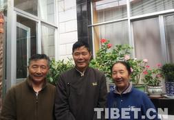 Porträts von Tibetern: Besitzer eines Fotoateliers am Fuß des Potala-Palastes (Teil 1)