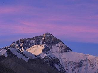 夜空下的珠穆朗玛峰