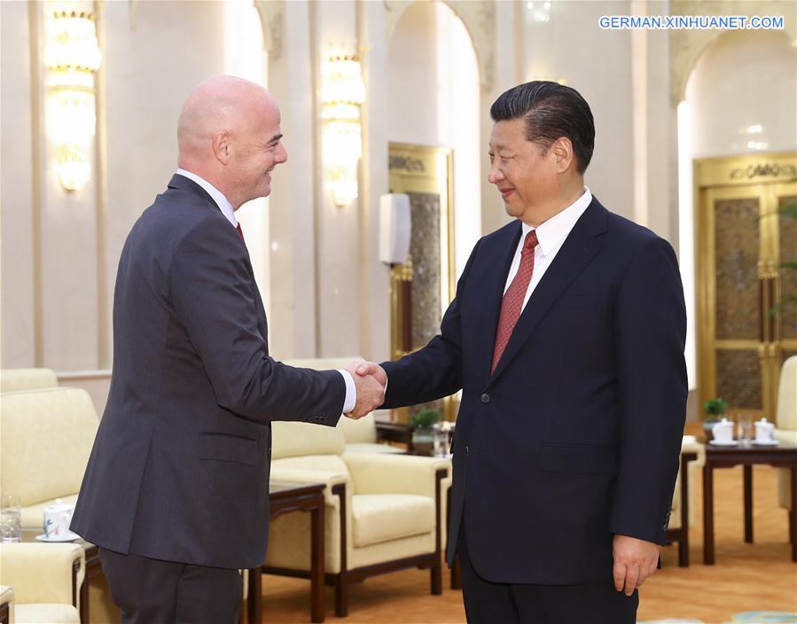 Xi Jinping trifft den FIFA-Präsidenten in Beijing