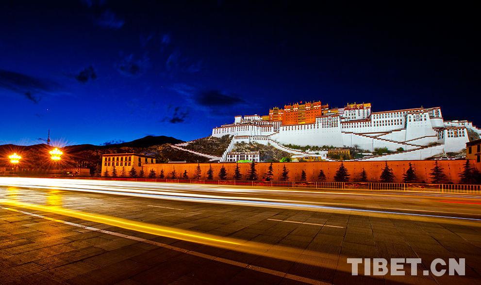Tibetische Arzneien treten in Chengdu auf