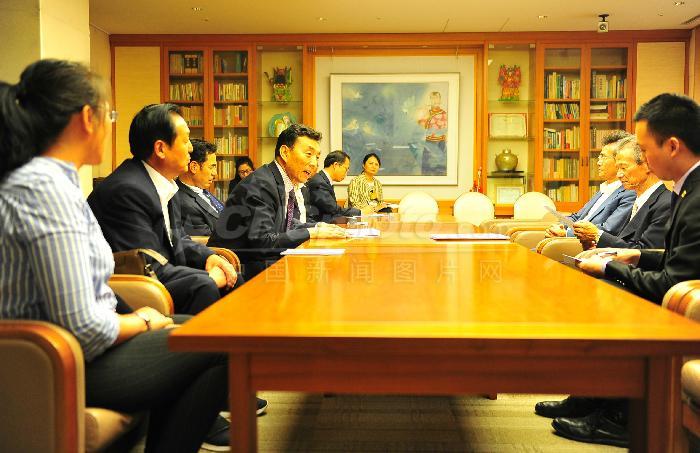 Tibetan delegation visits Japan