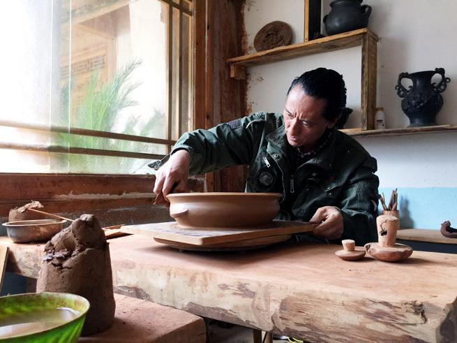 Touristen lieben Kunsthandwerk der Tibeter