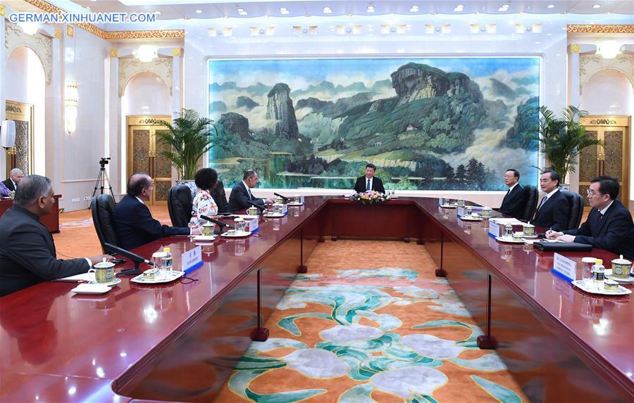 Xi Jinping trifft Delegationsleiter des Treffens der BRICS-Außenminister