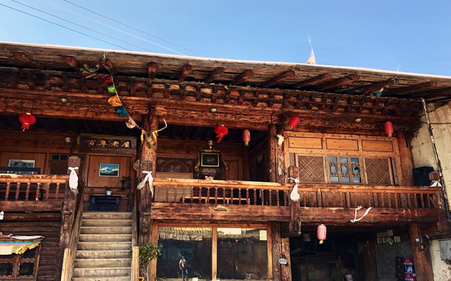 在独克宗古城探寻藏式老房子
