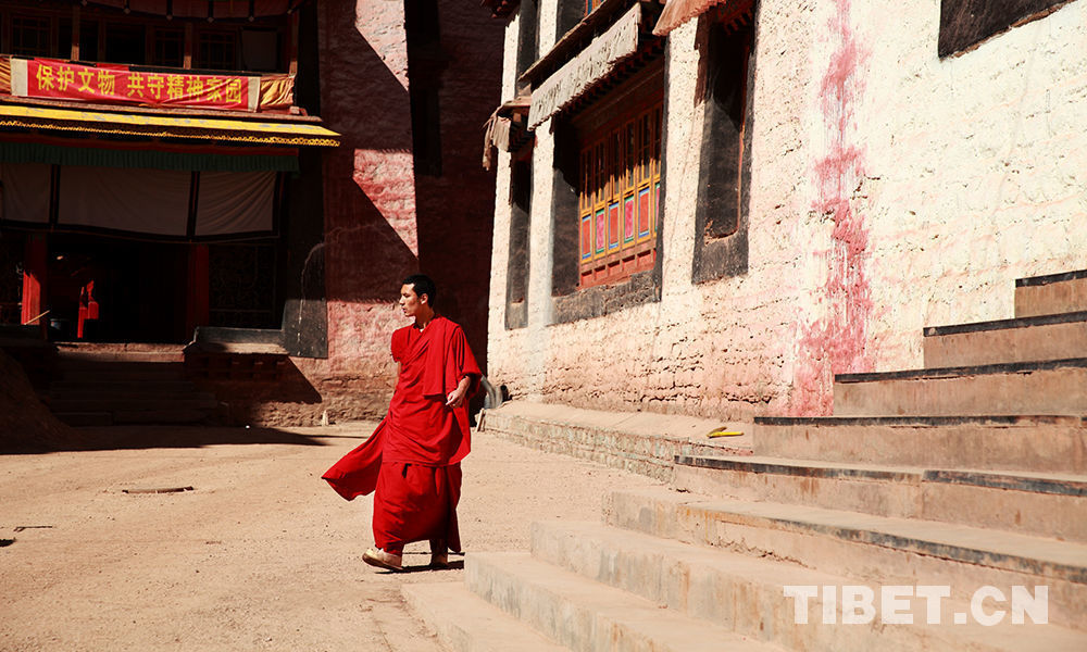 Monks in Champa Ling Monastery
