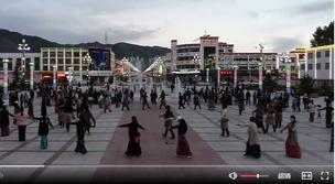 视频丨广场舞扰民怎么办?这里有个好办法