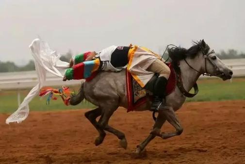 Reitmannschaft:Tibet erzielt wieder gute Leistung