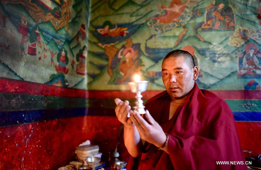 A Lama's daily life in world's highest monastery