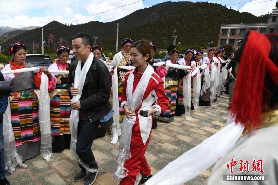 Schachweltmeister nach Tibet