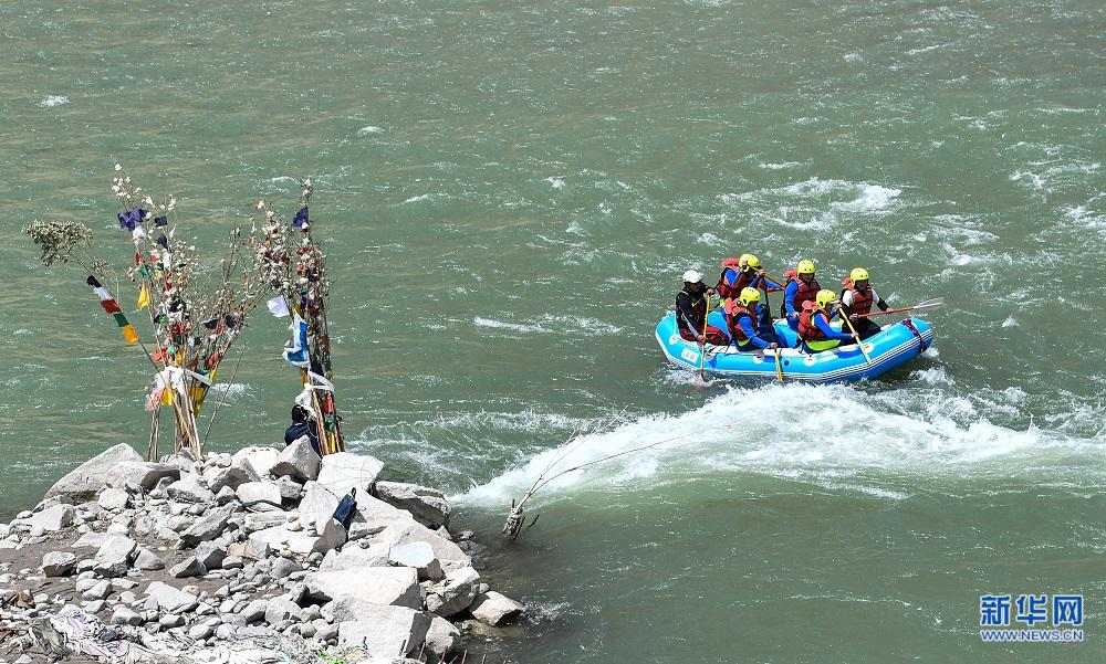 First China-Nepal rafting race to be held in Lhasa