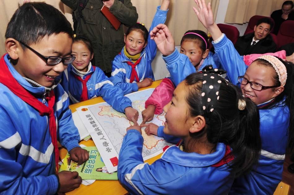 Vom Graben Chinesischer Raupenpilzen zur Schule