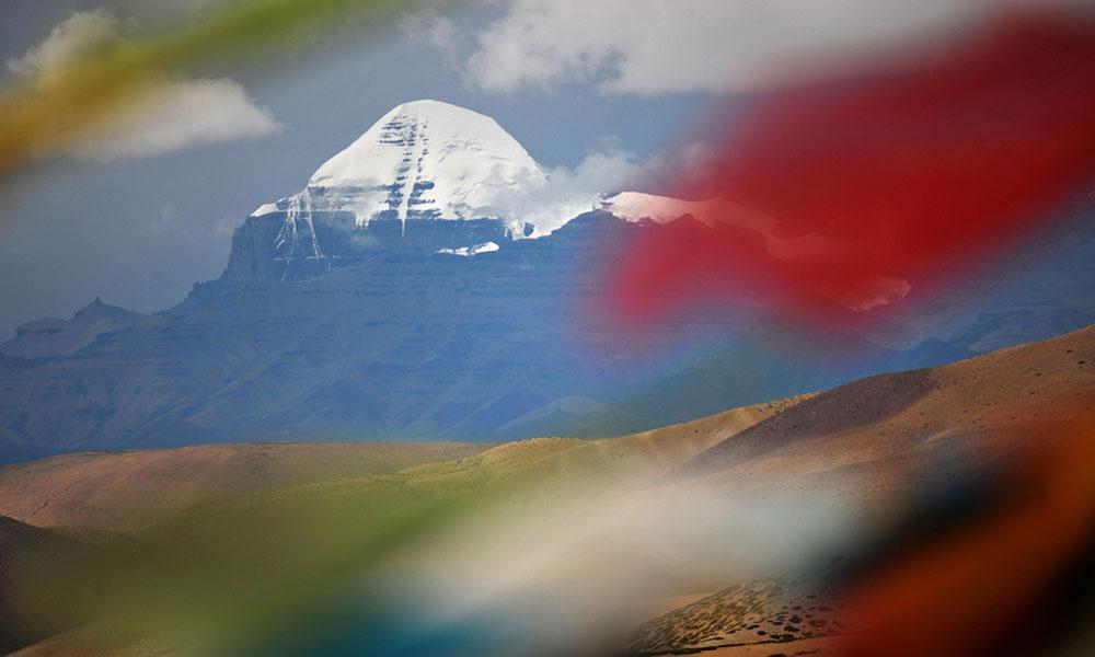"""西藏的发展生动诠释""""绿水青山就是金山银山"""""""