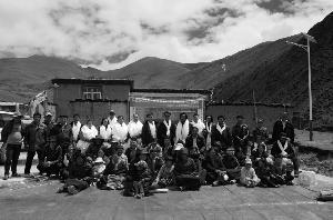 雪域高原上的至爱——泓德基金西藏公益扶贫纪实