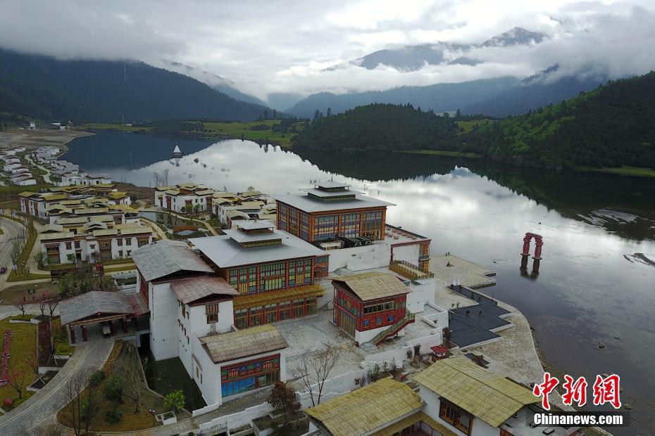 EU delegation visits Tibet
