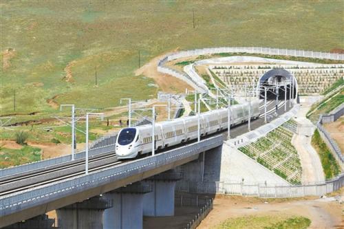 """内蒙古首条高铁进入按图""""试跑""""阶段"""